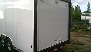 enclosed-rear-door-trailer