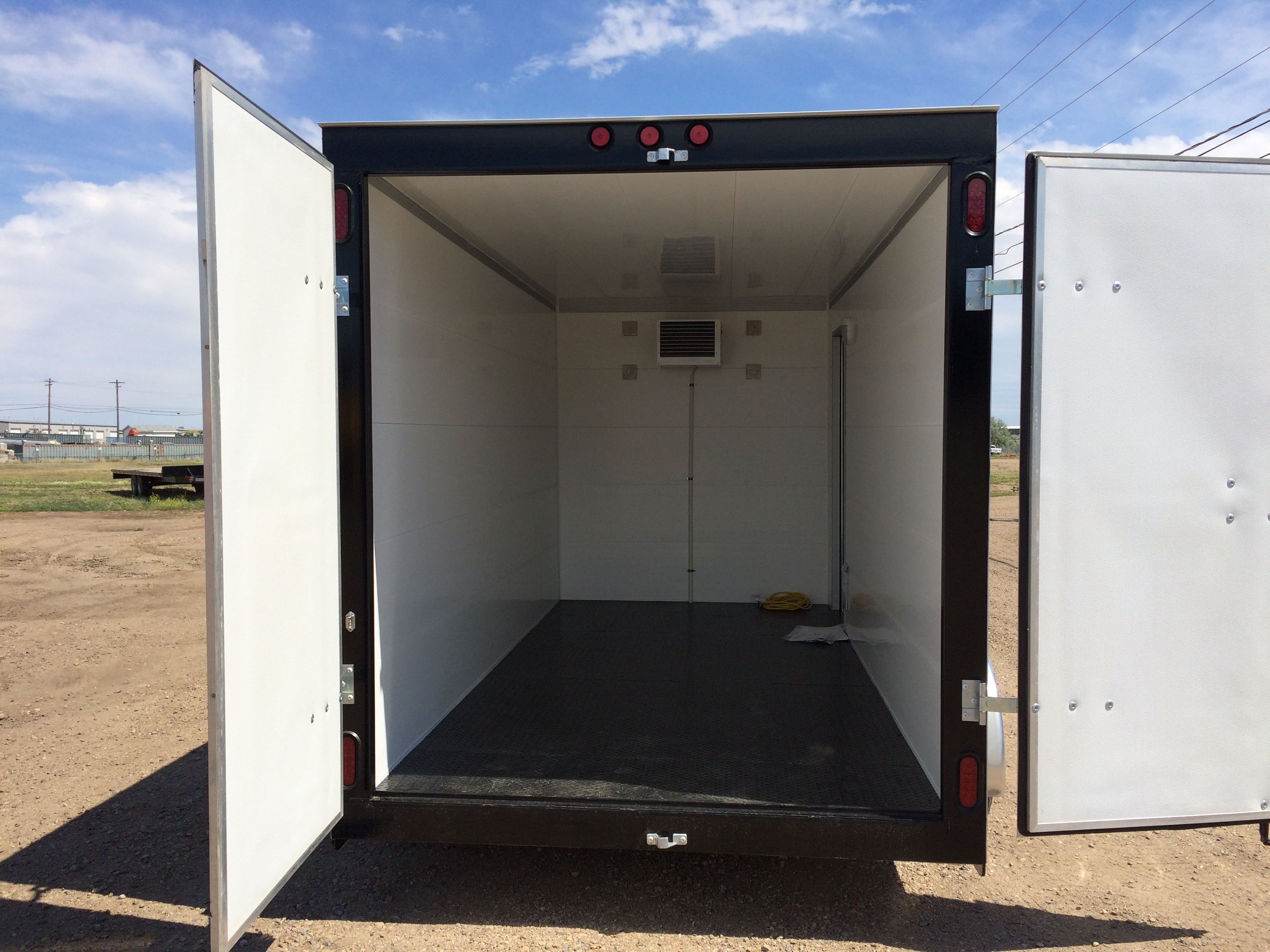 freezer-trailer-enclosed