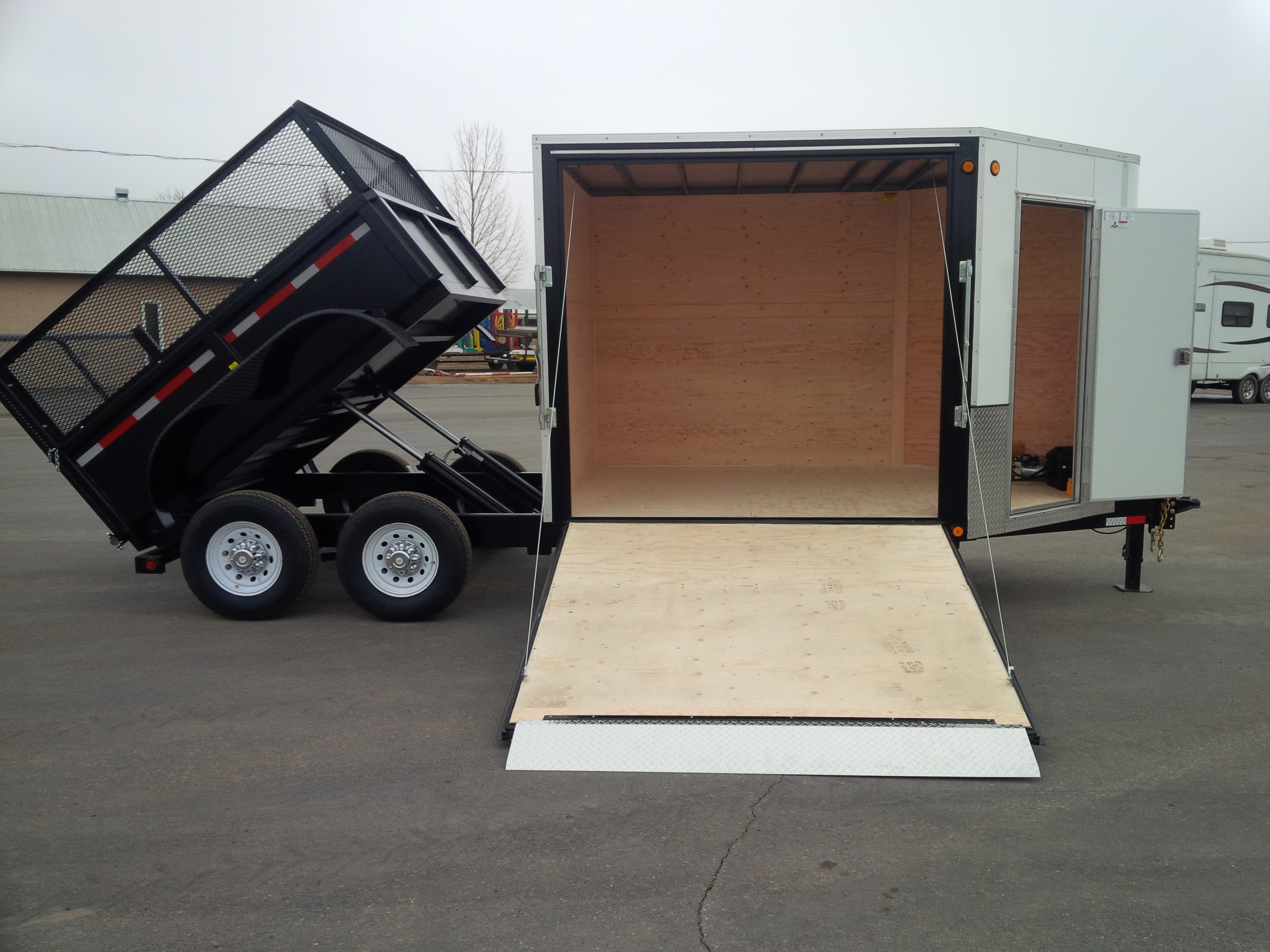 custom-enclosed-trailer