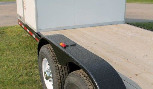 Flat deck trailer fenders